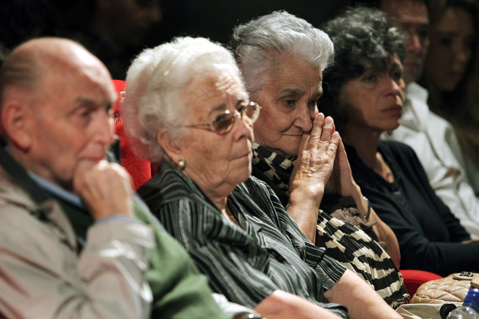 Actores en la piel de los asesinados  - Emoción y gratitud