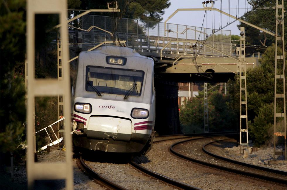 Tragedia ferroviaria en Castelldefels  - Las huellas del choque