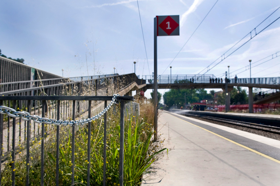 Tragedia ferroviaria en Castelldefels  - Cerrado el paso a nivel
