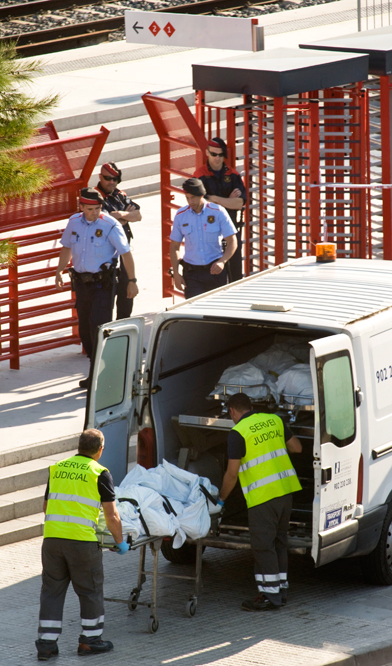 Tragedia ferroviaria en Castelldefels  - Traslado