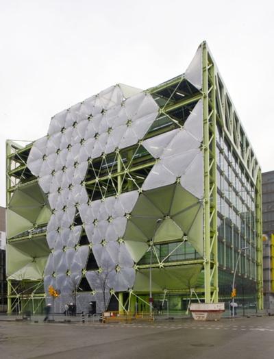 El edificio Media -TIC Centre de Barcelona, del arquitecto Eric Ruiz-Geli.