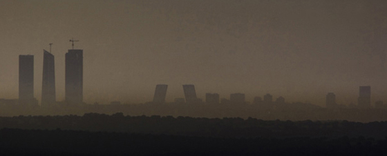Muro de polución sobre la capital