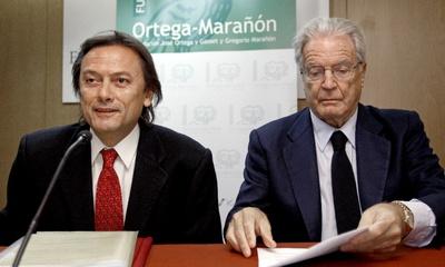 El presidente de Transparencia Internacional España, Jesús Lizcano, junto al jurista y político Antonio Garrigues Walker