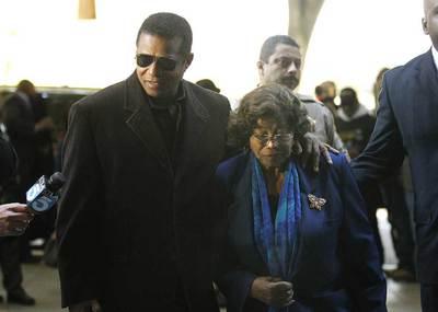 http://www.elpais.com/recorte/20110104elpepuage_7/XXLCO/Ies/vista_preliminar_caso_Michael_Jackson.jpg