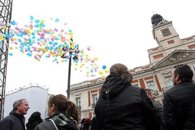 Familiares de niños sustraídos al nacer recuerdan con globos de colores que les siguen buscando- CARLOS ROSILLO