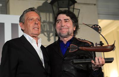 Sabina recibe un premio en Argentina
