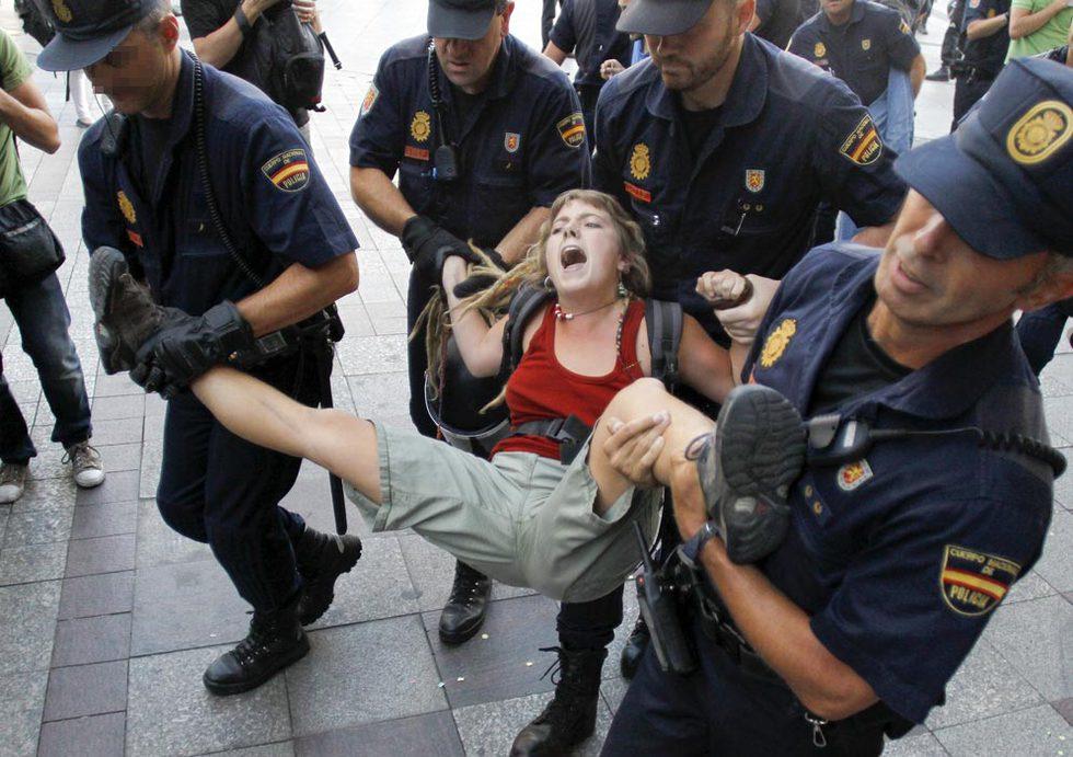 Qué majos estos policías. Nueva_intervencion_policial