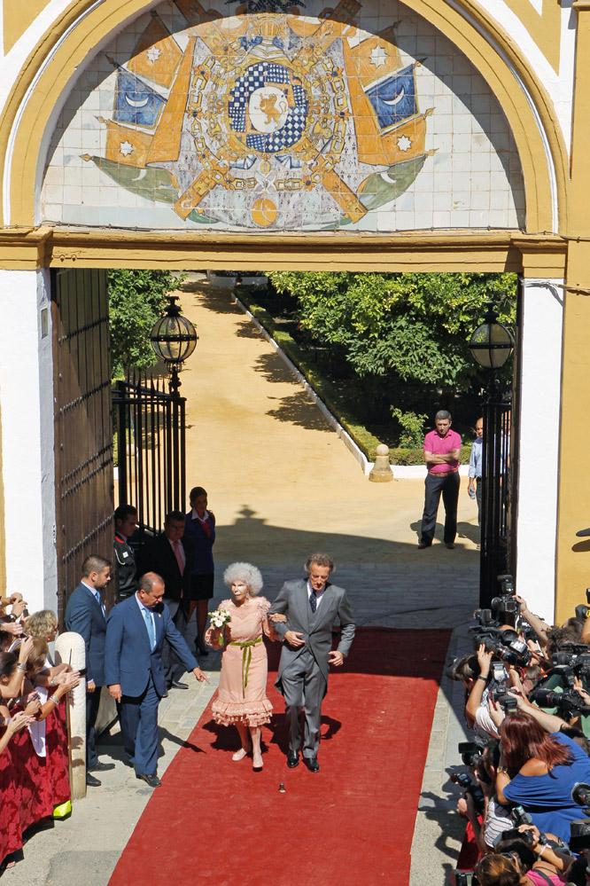 Salida del palacio de Dueñas