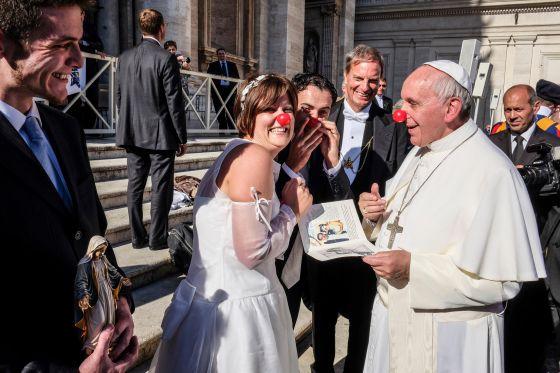Matrimonio Catolico Sacramento : Sin piedad contra el matrimonio catÓlico