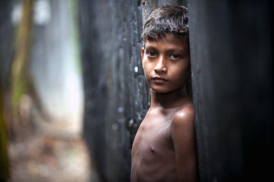Resultado de imagem para O que é mais importante: eliminar a pobreza ou combater os mais ricos?