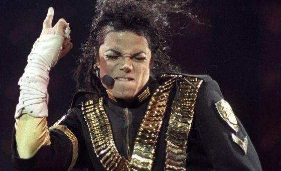 TODO FUE MENTIRA!!! Michael Jackson esta vivo y el lunes se lanzara su nueva canción
