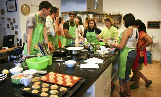 Los cursos de cocina para aficionados son el nuevo hobby for Taller de cocina teruel