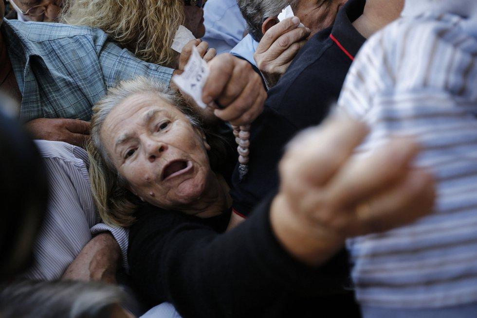 O desespero dos aposentados na Gr�cia | Atualidade | EL PA�S Brasil
