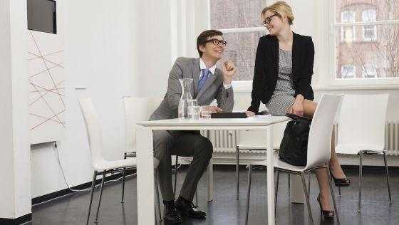 Tontear en la oficina beneficia a su pareja la de verdad for Bankia buscador de oficinas