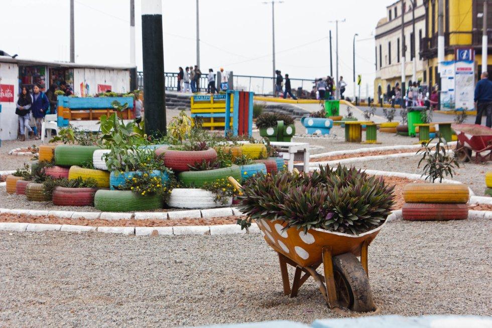 El diseño de los espacios públicos procede de Ocupa Tu Calle, pero es votado por los vecinos del lugar.