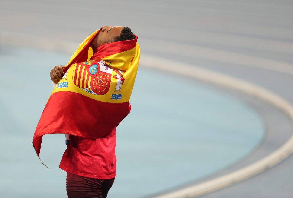 El atleta español Orlando Ortega celebra la segunda posición en la prueba de 110 m vallas, el 16 de agosto.