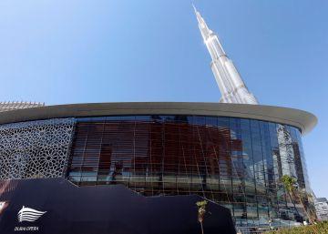 Aviso a los jóvenes de Emiratos: adiós a los empleos públicos cómodos