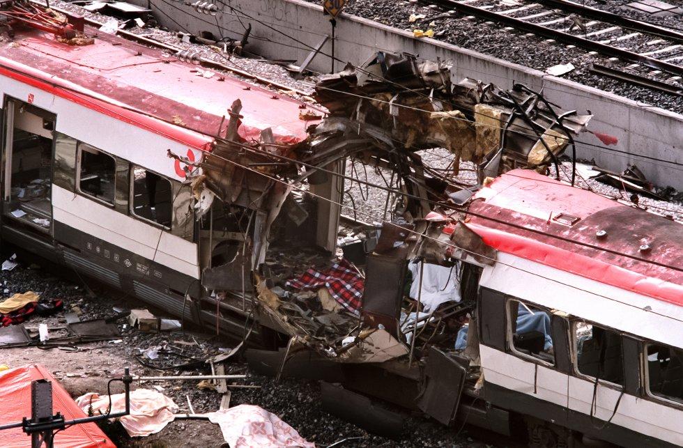 Vagón reventado por una de las explosiones ocurridas la mañana del 11-M de 2004 en cuatro puntos de la red de Cercanías de Madrid. Fallecieron 193 personas y hubo cerca de dos mil heridos.