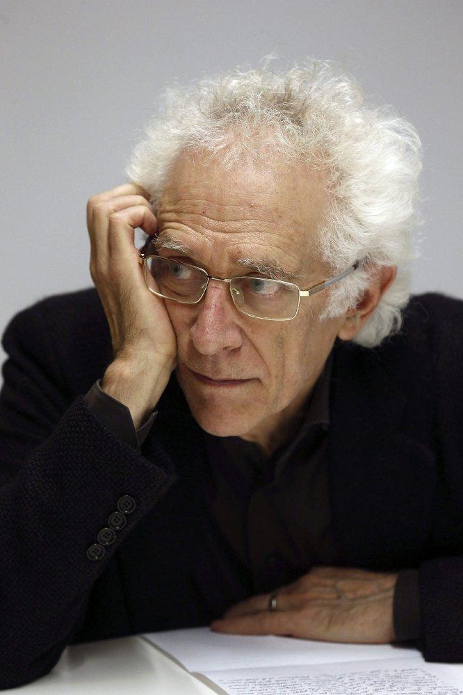 """Todorov escribió títulos como """"La teoría de la literatura de los formalistas rusos"""" (1965); """"La conquista de América"""" (1984), su primera investigación sobre la alteridad; """"Frente al límite"""" (1991), sobre los campos de concentración; o """"Los abusos de la memoria"""" (1995)."""