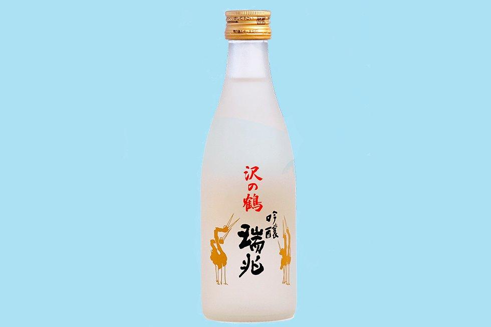 """""""Es un error tomar el sake al final de la comida"""", apunta Masayoshi Hojo. """"La gente piensa que es un licor, como un orujo; en Japón lo tomamos como si fuera vino, para acompañar los platos. Primero empezamos con una cervecita y luego pasamos al sake"""". Además, aunque en España lo habitual es rematar una buena comida con un postre, para los nipones es inaudito."""