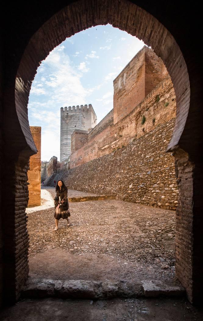 Puerta de la Alhambra por donde circulaban las rondas de los guardias.