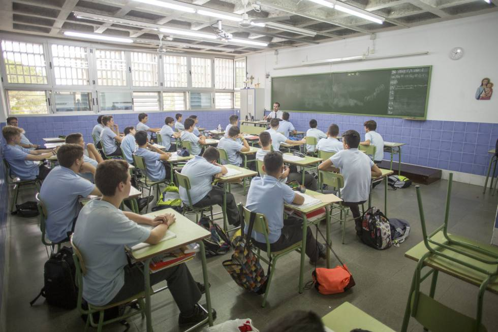 Separados por sexos, gracias a Dios (y a Rajoy)