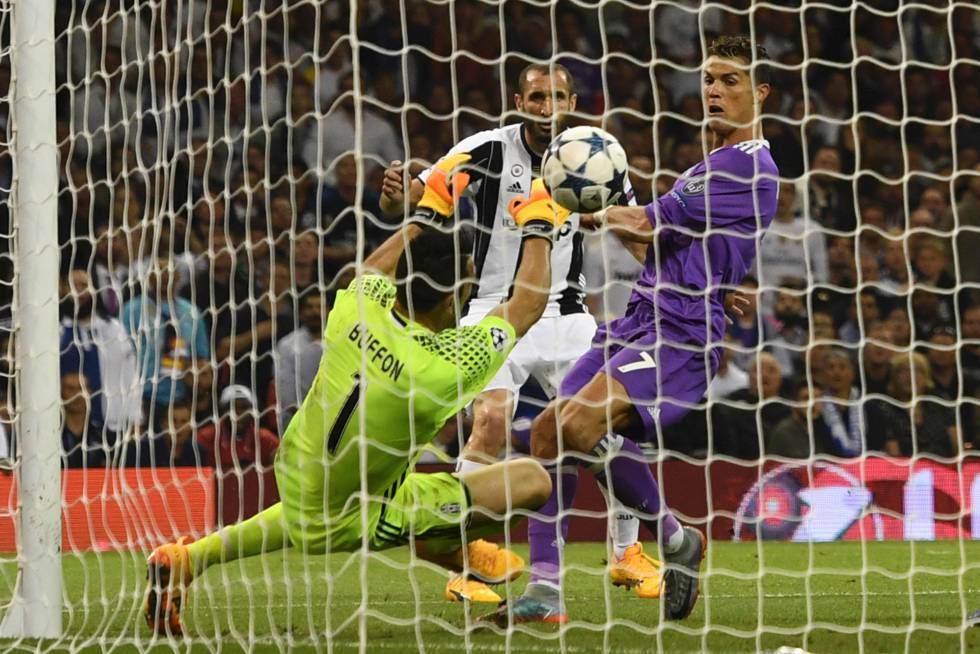Ronaldo marca el tercer gol del Real Madrid ante la Juventus.