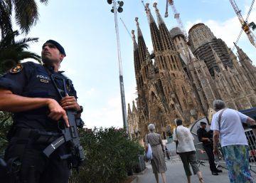 Los Mossos acordonan la Sagrada Familia por una falsa alarma terrorista