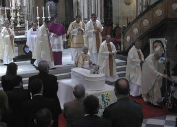 """Almería arropa a los padres de Gabriel en el funeral: """"No estáis solos"""""""