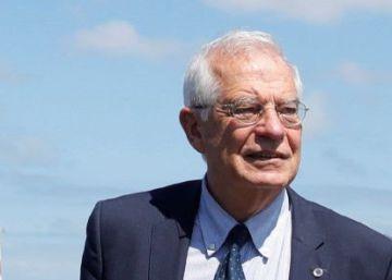 Borrell frena el cambio de más de 40 embajadores