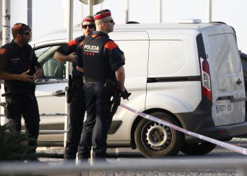 Los mossos realizaron más de 100 disparos para abatir a los yihadistas del 17-A