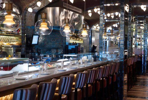 Restaurante bar bas barcelona cuchara y pan con tomate for Restaurante la campana barcelona