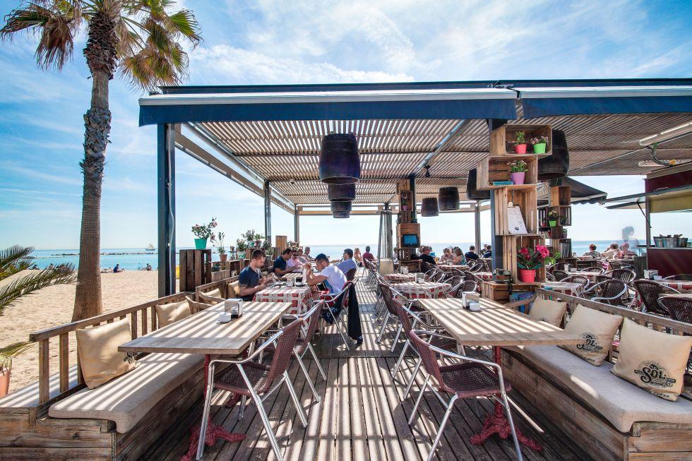 Fotos verano barcelona de terraza en terraza el viajero el pa s - Precio toldos terraza barcelona ...