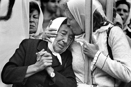 A 35 años del comienzo de la última dictadura militar  NUNCA MAS 20060324elpepuint_14