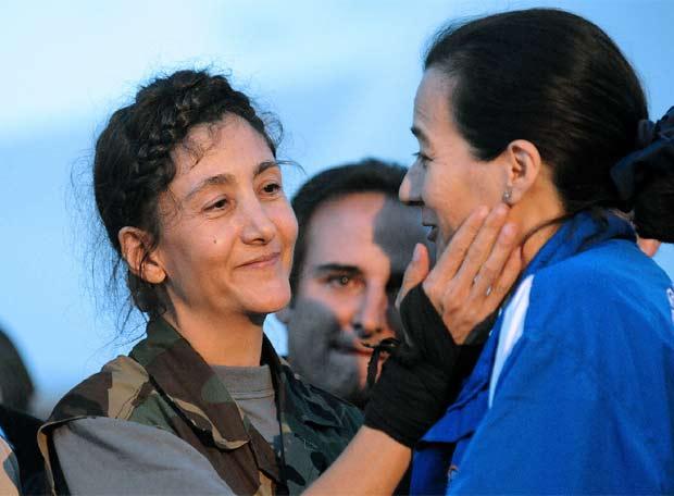 Ingrid Betancourt, un secuestro de seis años - Clara Rojas recibe a Betancourt
