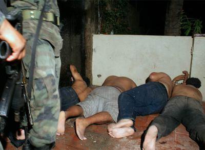 Leer la noticia en El País (España) | 18 muertos en un enfrentamiento armado