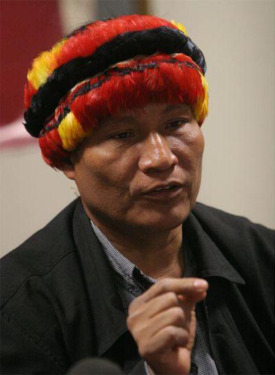 lider indigena de Peru