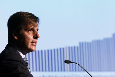 http://www.elpais.com/recorte/20100107elpepieco_1/LCO340/Ies/Martin_Redrado_presidente_Banco_Central_Argentina.jpg