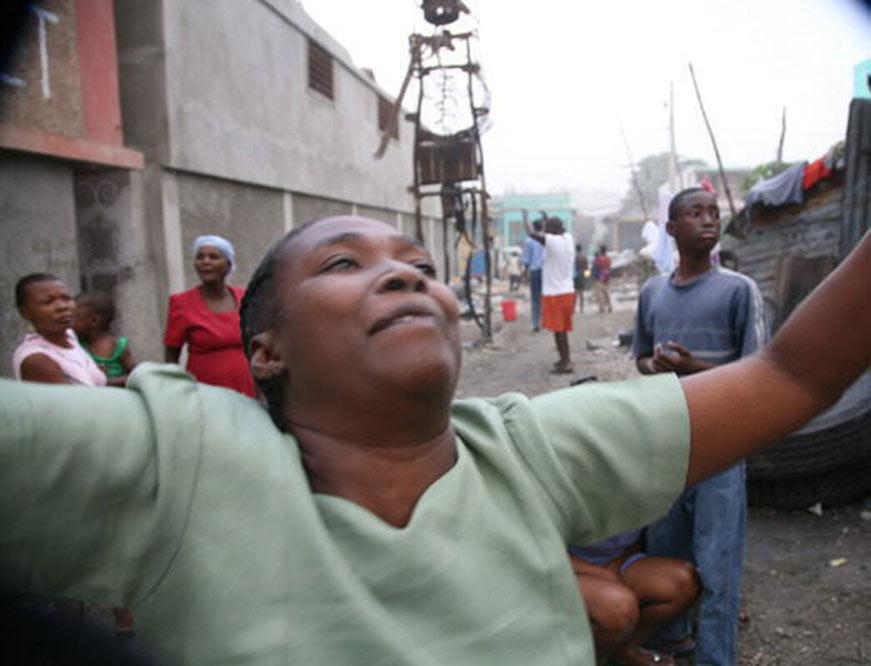 Un terremoto provoca una catástrofe en Haití  - Terror entre los habitantes