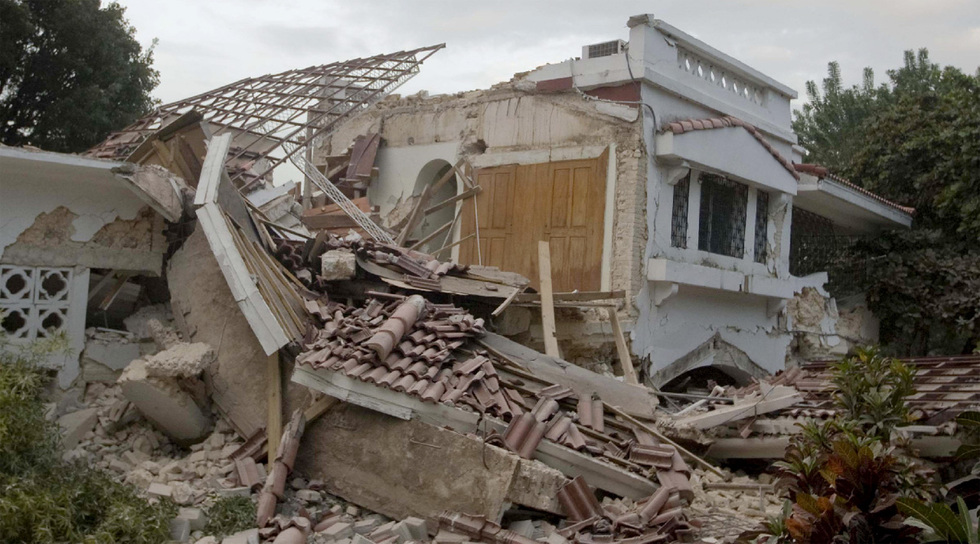 Edificios reducidos a pedazos