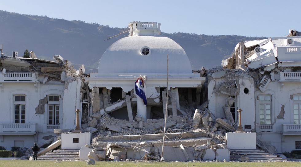 Palacio de gobierno destruido
