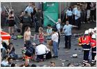 Al menos 10 muertos y 15 heridos en una avalancha humana durante el festival Love Parade 20100724elpepuint_9_Ies_LCO