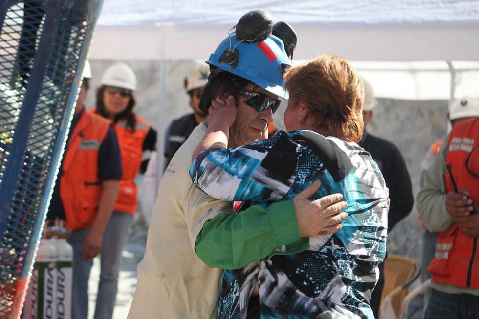 Las mejores imágenes del rescate  - Mujeres y amantes
