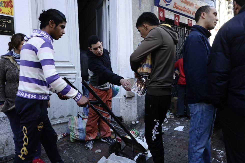 El fin del régimen de Ben Ali en Túnez  - Saqueos tras la huida del presidente