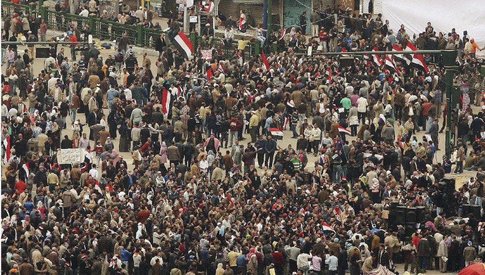 Nueva multitud en la plaza