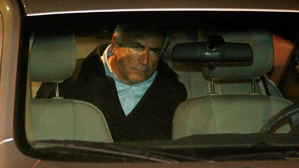 Strauss-Kahn en el coche policial