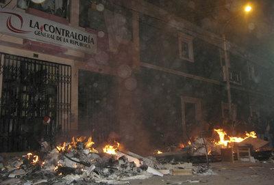 Protesta en la frontera Bolivia-Perú