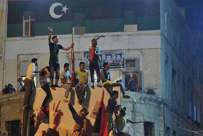 Los rebeldes libios avanzan