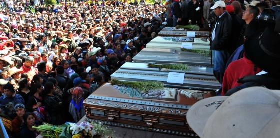 Guatemala arresta a siete militares por la muerte de seis for Noticias del espectaculo internacional hoy