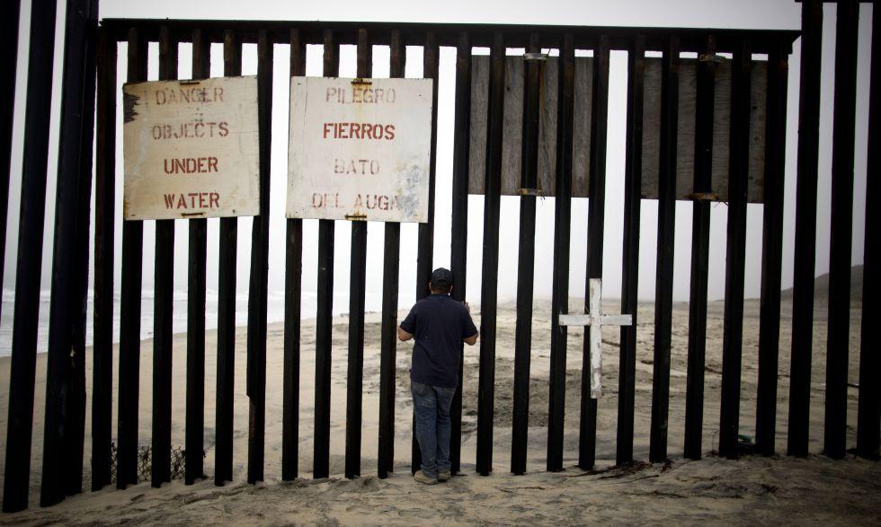 Resultado de imagen de playas de tijuana frontera